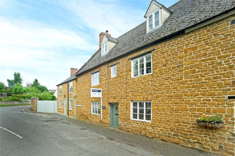 4 Bedrooms Terraced House for sale in St. Thomas Street, Deddington, Banbury, Oxfordshire, OX15