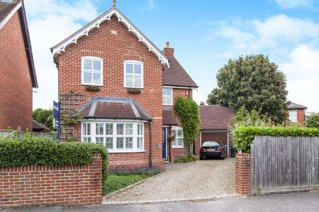3 Bedrooms Detached House for sale in Maidenhead, Berkshire, United Kingdom