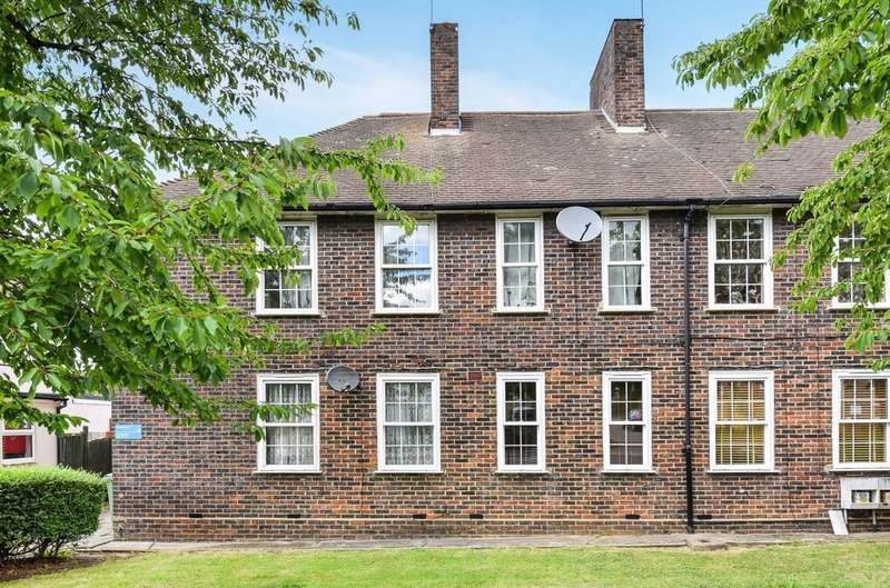 1 Bedroom Ground Maisonette Flat for sale in Harting Road, London, SE9 4JP