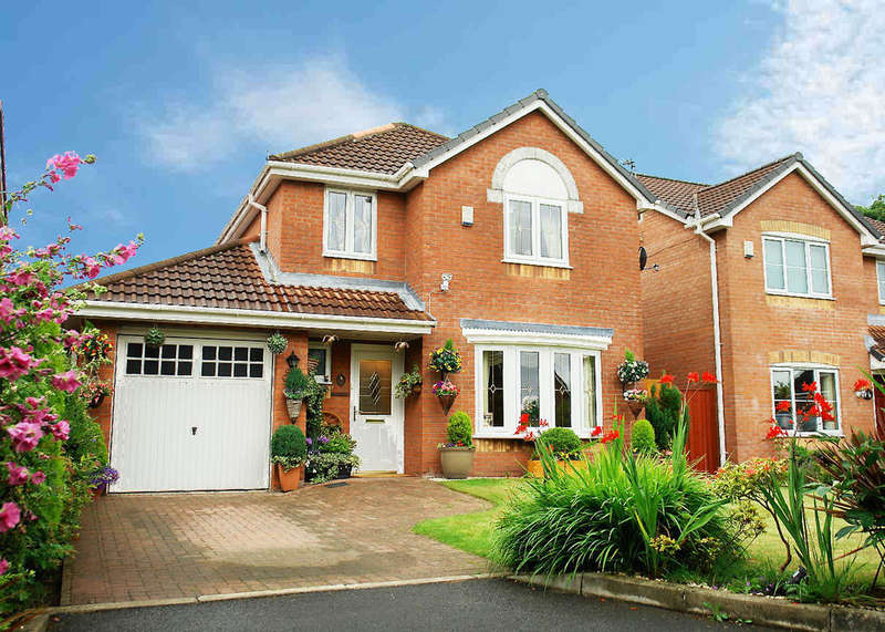 4 Bedrooms Detached House for sale in 8b Whiteley Drive, Middleton