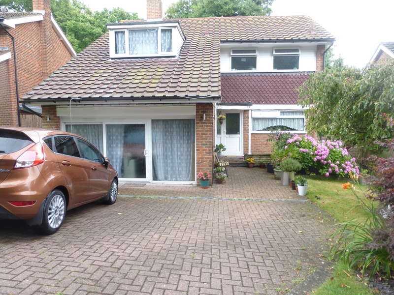 5 Bedrooms Detached House for sale in Hollingsworth Road, Croydon, CR0