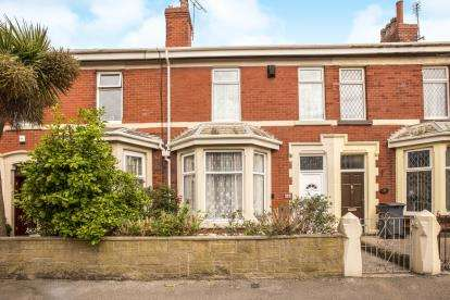 4 Bedrooms Terraced House for sale in St. Heliers Road, Blackpool, Lancashire, FY1