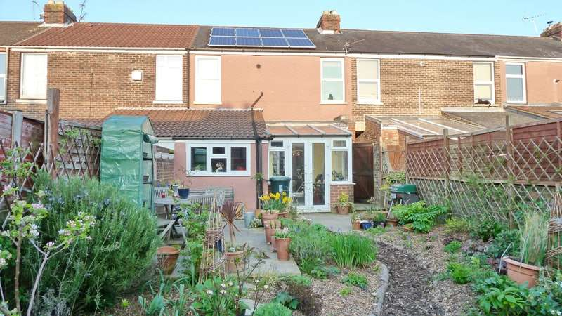 3 Bedrooms Terraced House for sale in Shelford Road, Southsea, Hampshire, PO4