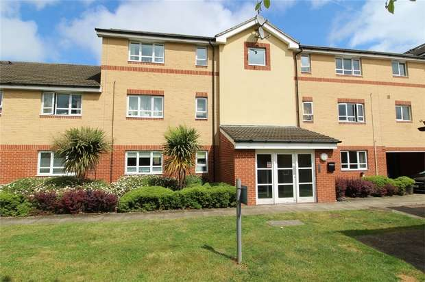 2 Bedrooms Flat for sale in Hayden Court, Chertsey Road, Lower Feltham