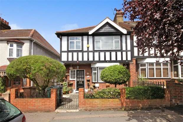 3 Bedrooms End Of Terrace House for sale in Belle Vue Road, Walthamstow, London