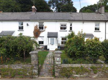 3 Bedrooms Terraced House for sale in Horrabridge, Yelverton, Devon
