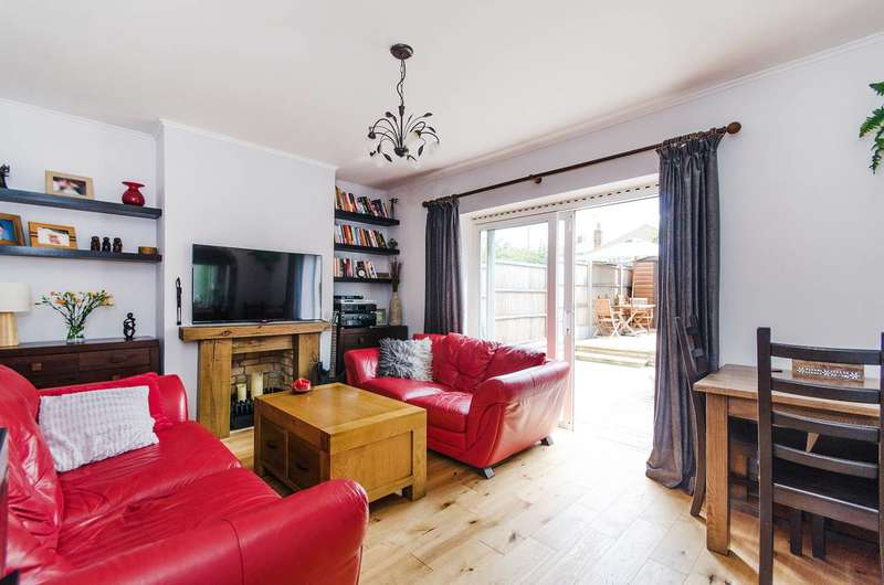 2 Bedrooms Flat for sale in Fernwood Avenue, Wembley, HA0