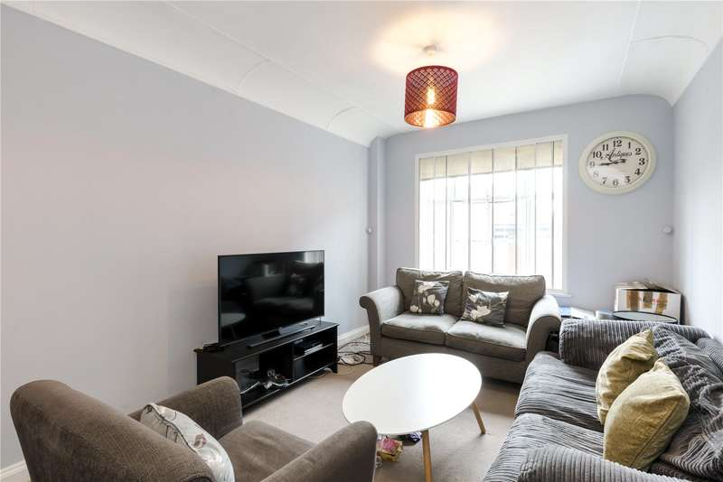 2 Bedrooms Flat for sale in Carrington House, Hertford Street, London, W1J