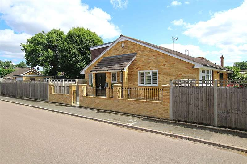 4 Bedrooms Detached Bungalow for sale in Short Lane, Bricket Wood, St. Albans, Hertfordshire, AL2