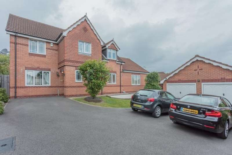 4 Bedrooms Detached House for sale in Honeysuckle Drive, South Normanton, Derbyshire, DE55