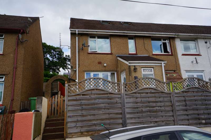 5 Bedrooms End Of Terrace House for sale in Severn Close, Risca, Newport, NP11