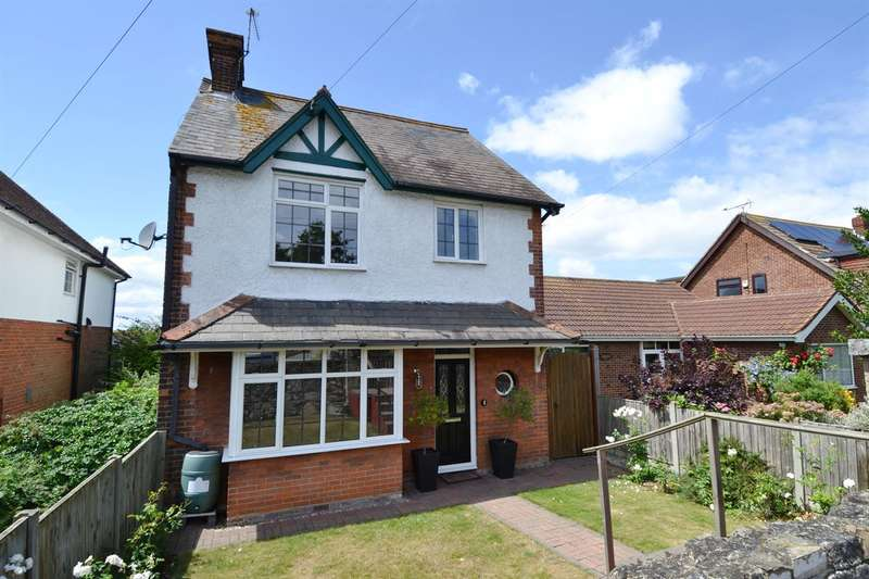 4 Bedrooms Detached House for sale in Castle Road, Tankerton, Whitstable