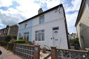 3 Bedrooms Semi Detached House for sale in Dukes Road, Tunbridge Wells, Kent