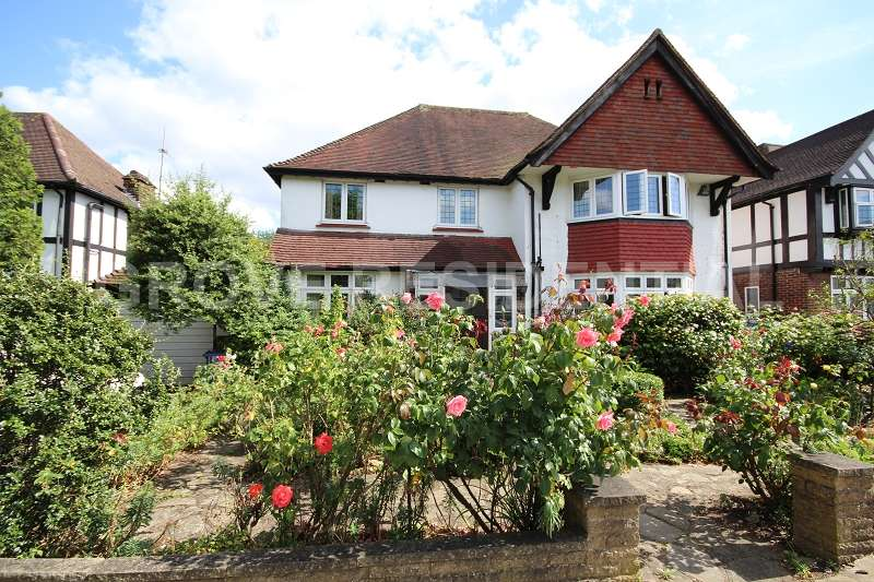 7 Bedrooms Detached House for sale in Penshurst Gardens, Edgware