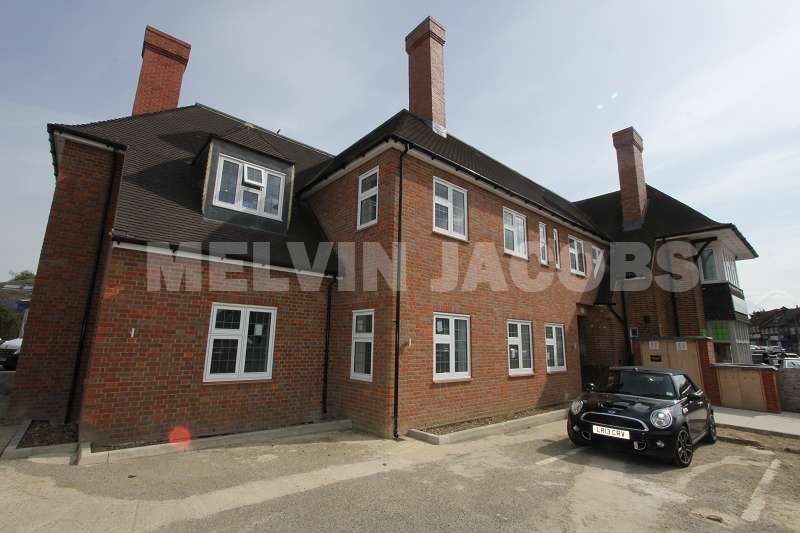 2 Bedrooms Property for rent in Glengall Road, Edgware, Greater London. HA8 8TF
