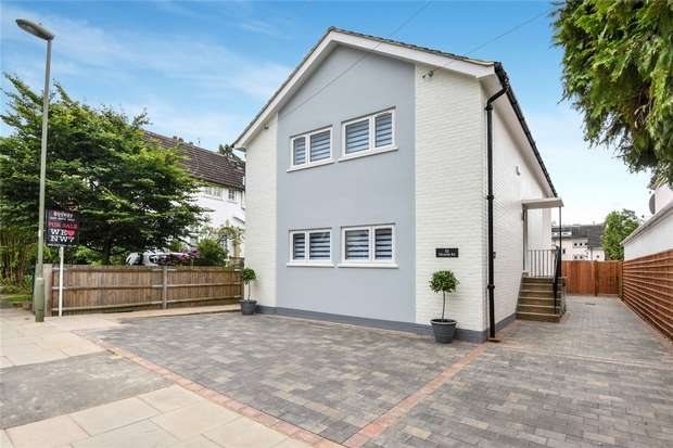 2 Bedrooms Maisonette Flat for sale in 32 Victoria Road, Mill Hill, London