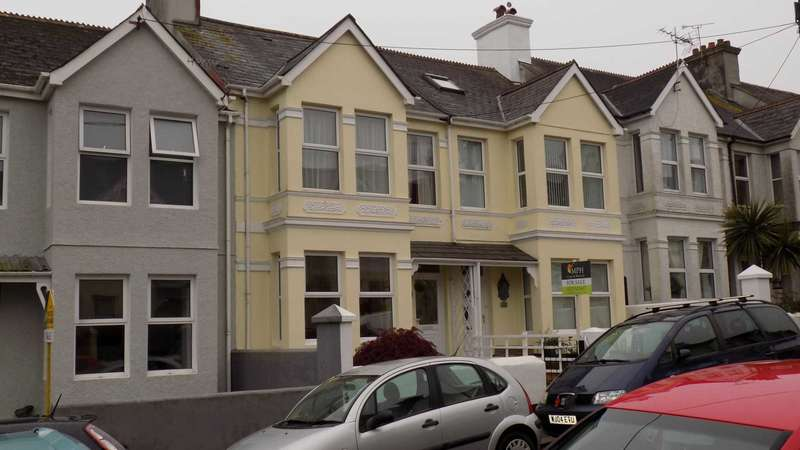 2 Bedrooms Terraced House for sale in Clarence Road, Torpoint