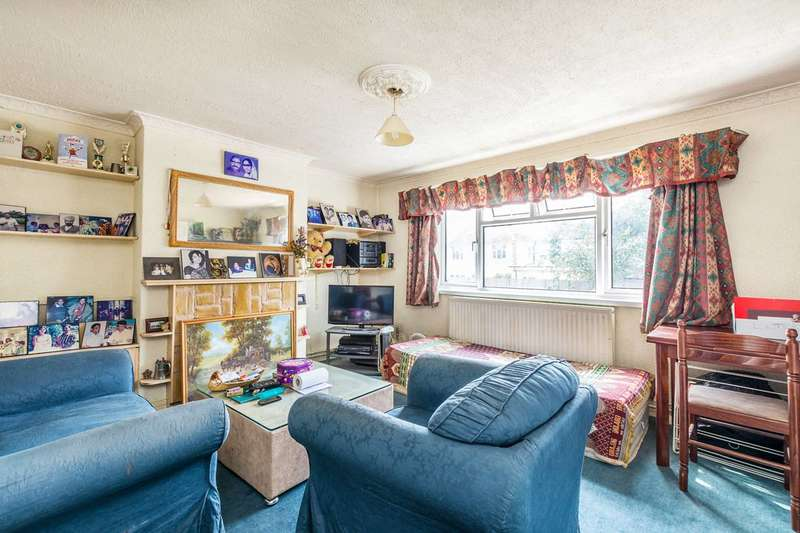 2 Bedrooms Flat for sale in Pears Road, Hounslow, TW3