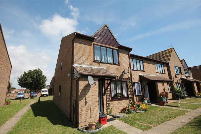 1 Bedroom Maisonette Flat for sale in Parklands Court, Saxmundham Way, Clacton-On-Sea