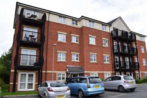 2 Bedrooms Flat for sale in Breccia Gardens, St Helens, Merseyside