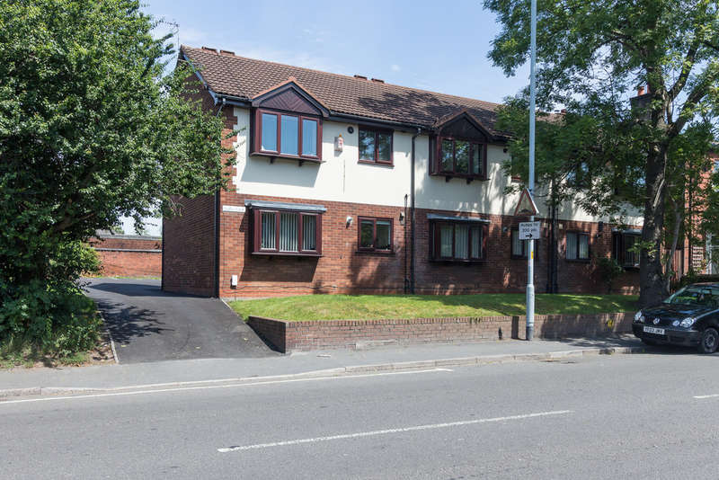 1 Bedroom Flat for sale in Flat 1 Swallow Court, 172 Manchester Road