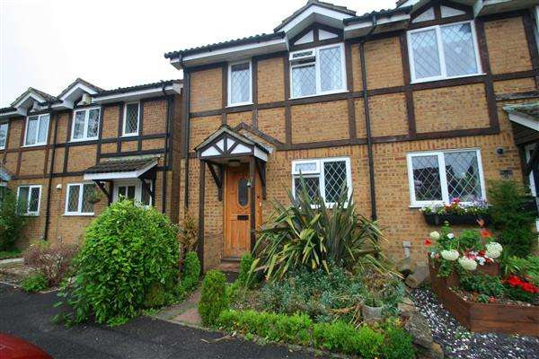3 Bedrooms Semi Detached House for sale in Hatch Warren, Basingstoke, Hampshire