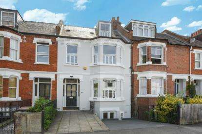 4 Bedrooms Terraced House for sale in Worbeck Road, London