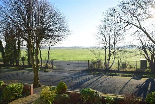 3 Bedrooms Apartment Flat for sale in Flat , Links Lodge, 9 Links Gate, LYTHAM ST ANNES, FY8