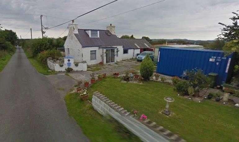 2 Bedrooms Detached House for sale in Bryn Llwyd, Rhostrehwfa