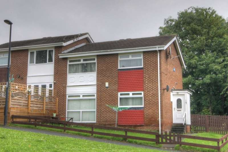 2 Bedrooms Flat for sale in Blanchland Avenue, West Denton Park, Newcastle Upon Tyne, NE15