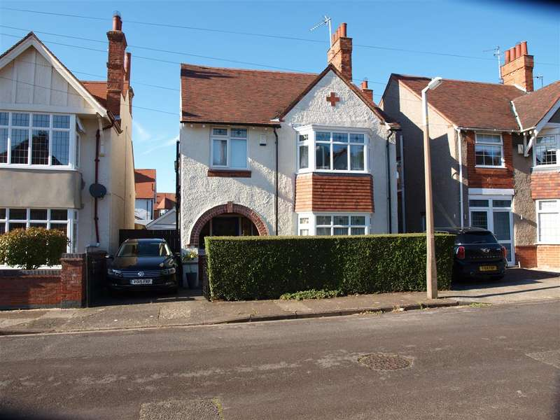 3 Bedrooms Detached House for sale in Albert Avenue, Skegness
