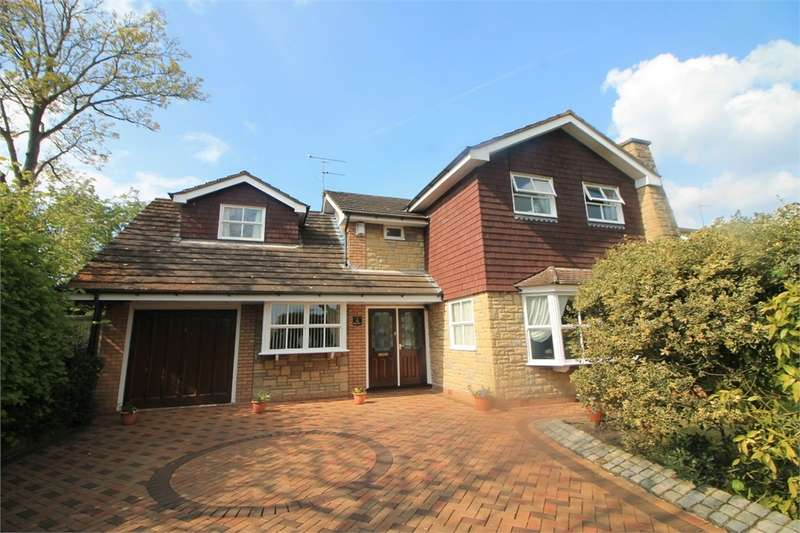 5 Bedrooms Detached House for sale in Phillips Lane, Formby, Merseyside