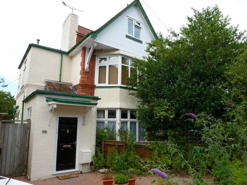 2 Bedrooms Flat for rent in St. Albans Crescent, Bournemouth