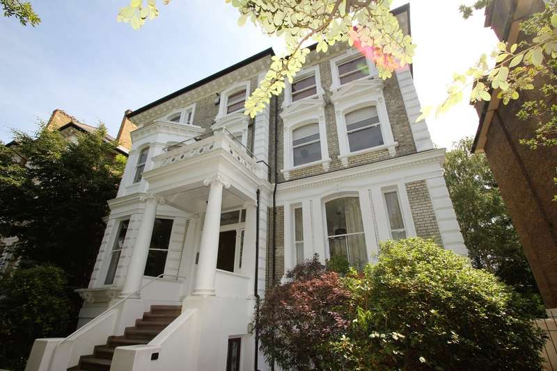 Flat for sale in Langley Road, Surbiton
