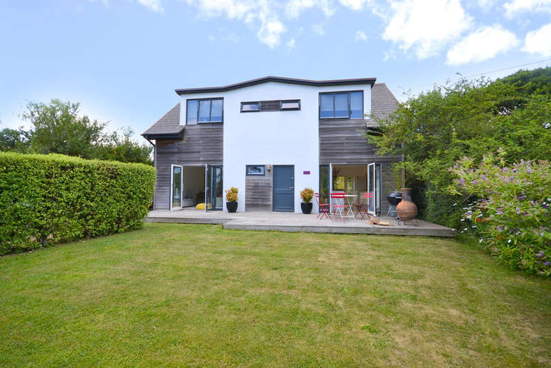 3 Bedrooms Detached House for sale in Cranmore, Isle Of Wight