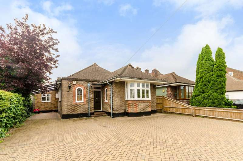 4 Bedrooms Bungalow for sale in Delta Road, Worcester Park, KT4