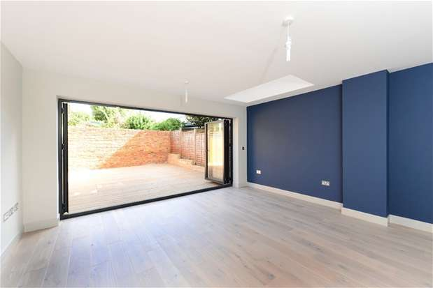4 Bedrooms House for sale in Hinton Road, Herne Hill