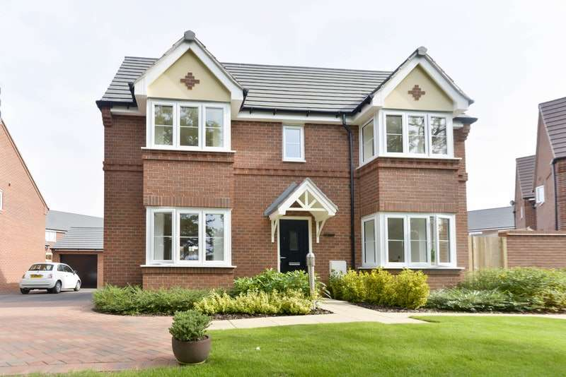 3 Bedrooms Detached House for sale in Poplar Way, Leamington Spa, Warwickshire, CV31