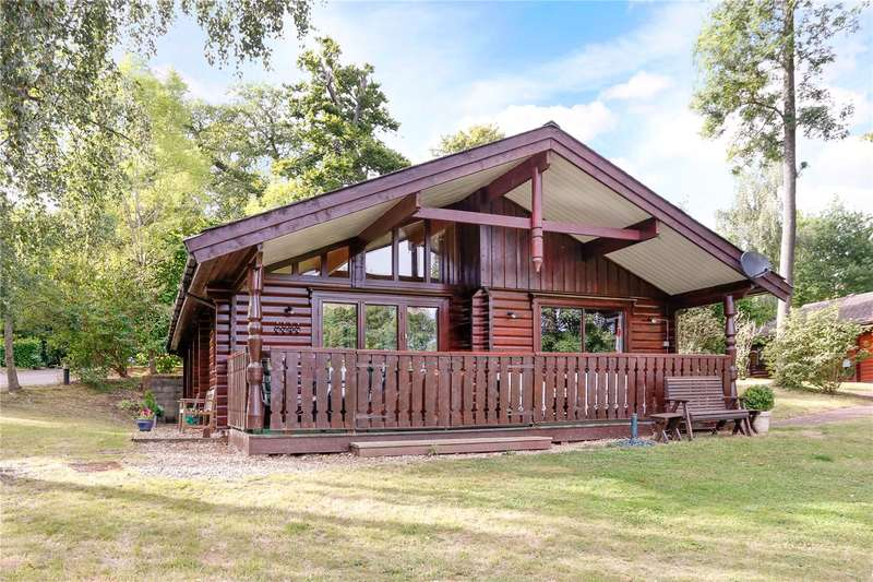 2 Bedrooms Detached House for sale in The Grove, Harleyford, Henley Road, Marlow, SL7