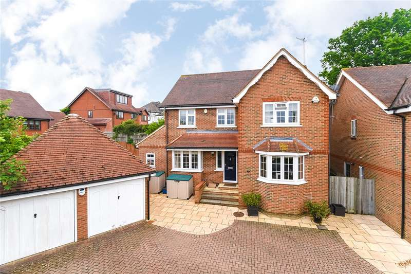 4 Bedrooms Detached House for sale in Beechcroft Road, Bushey, WD23