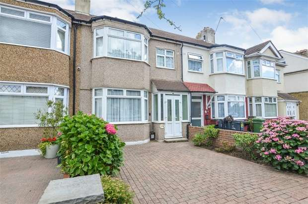 3 Bedrooms Terraced House for sale in Eastfield Road, Waltham Cross, Hertfordshire