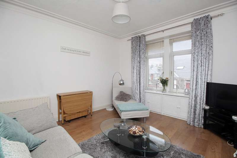 1 Bedroom Flat for sale in Balsusney Road, Kirkcaldy, KY2 5LQ