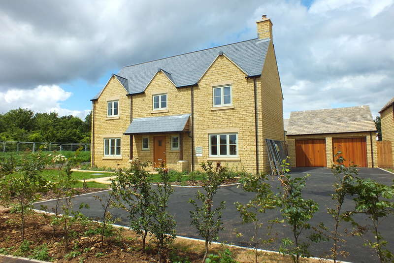 5 Bedrooms Detached House for sale in Kemble