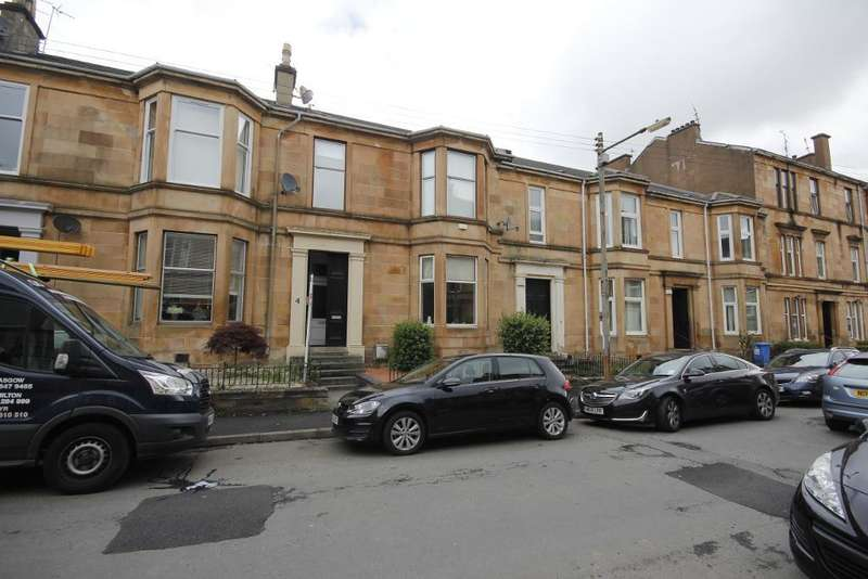 Flat for rent in Carment Drive, Glasgow, G41 3PP