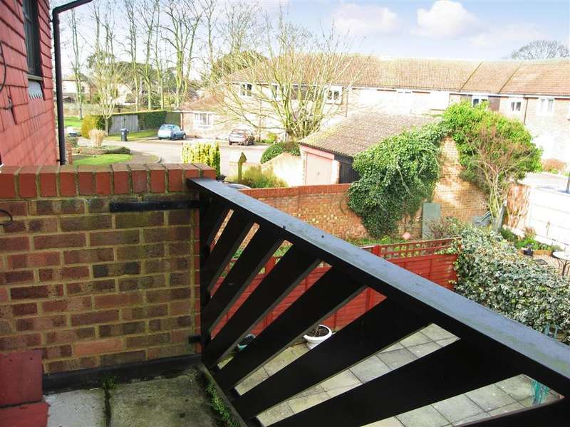 2 Bedrooms Flat for sale in Birch Hill Court, Birchington, Kent