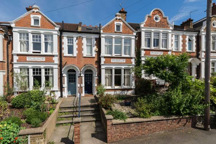 3 Bedrooms Terraced House for sale in Eastcombe Avenue Charlton SE7