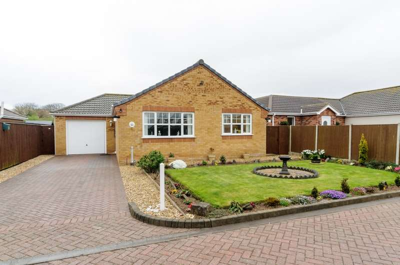 2 Bedrooms Bungalow for sale in Church View, Trusthorpe, Lincolnshire, LN12