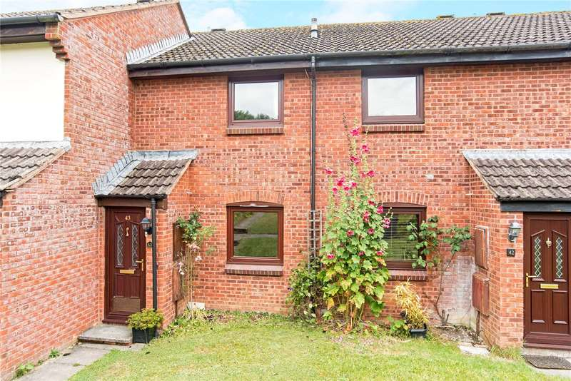 2 Bedrooms Terraced House for sale in Rogers Meadow, Marlborough, Wiltshire, SN8
