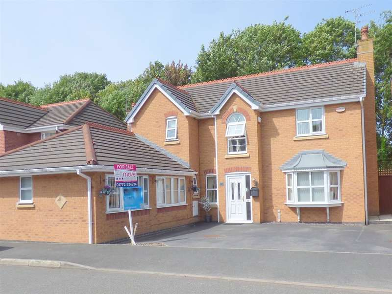 5 Bedrooms Detached House for sale in Smithford Walk, Tarbock Green, Liverpool