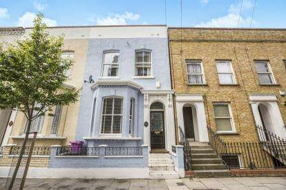 3 Bedrooms House for sale in Bow, London, England